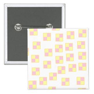 Battenburg Kuchen-Muster. Rosa und Gelb Quadratischer Button 5,1 Cm