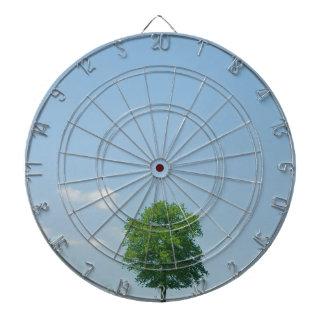 Baum auf einem Gebiet 2 Dartscheibe