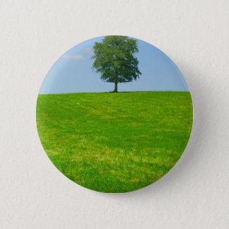 Baum auf einem Gebiet Runder Button 5,7 Cm
