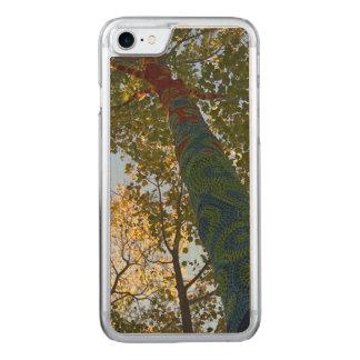 Baum-Häkelarbeit IV Carved iPhone 8/7 Hülle