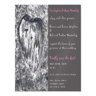 Baum-Hochzeit mit geschnitztem Herzen und Magnetische Karte