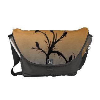 Baum mit Krähen Kurier Tasche