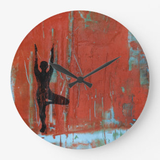 Baum-Pose-Yoga-Mädchen-runde Uhr