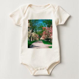 Baum-rosa weißer Hartriegel Lexington Kentucky Baby Strampler