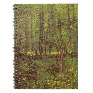 Bäume und Unterholz durch Vincent van Gogh Spiral Notizblock