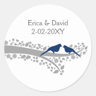 Baummarineblau Lovebirds-Gastgeschenk Runder Aufkleber