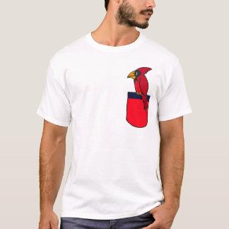 BB Kardinal in einem Taschen-Shirt T-Shirt
