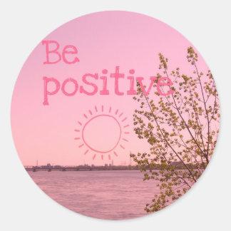 Be positiviert runder aufkleber
