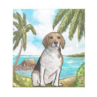 Beagle auf Ferien-tropischem Strand Notizblock