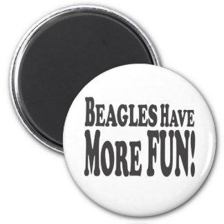 Beagles haben mehr Spaß! Runder Magnet 5,7 Cm