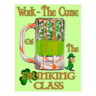 Bearbeiten Sie den Fluch der trinkenden Klasse Postkarte