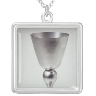 Becher- oder Weinschale, südamerikanisch Halskette Mit Quadratischem Anhänger
