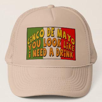 Bedarf Cinco Des Mayo ein Getränk-T - Shirts und Truckerkappe
