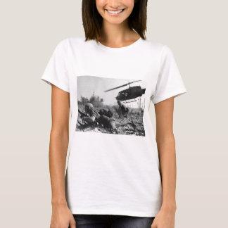 Bedeutenden Crandalls UH-1D Hubschrauber im T-Shirt
