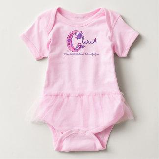 BEDEUTUNGS-Monogramm-Shirt Clara-Mädchen C Namens Baby Strampler