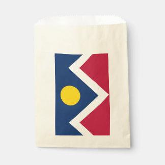 Beehren Sie Tasche mit Flagge von Denver-Stadt, Geschenktütchen
