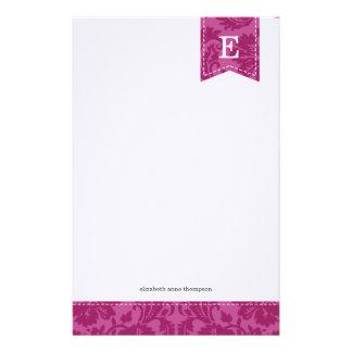 Beeren-lila Vintages Damast-Gewohnheits-Monogramm Briefpapier