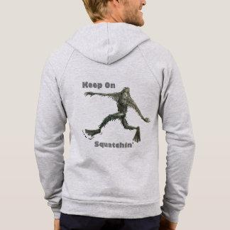 Behalten Sie auf Squatchin Hoodie