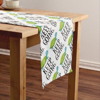 Behalten Sie das Gehen Kurzer Tischläufer