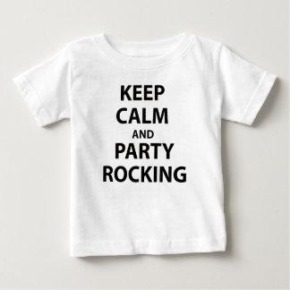 Behalten Sie das Ruhe-und Party-Schaukeln Baby T-shirt
