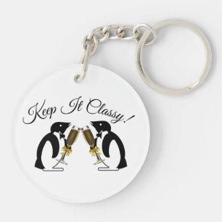 Behalten Sie es nobel! Rösten der Pinguine Schlüsselanhänger