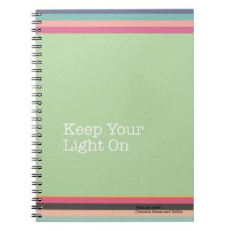 Behalten Sie Ihr Licht auf Notizbuch Notizblock