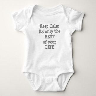 Behalten Sie Ruhe für Baby Baby Strampler