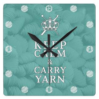 Behalten Sie Ruhe, Garn CraftRoom zu tragen Quadratische Wanduhr