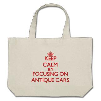 Behalten Sie Ruhe, indem Sie an auf antike Autos Tasche