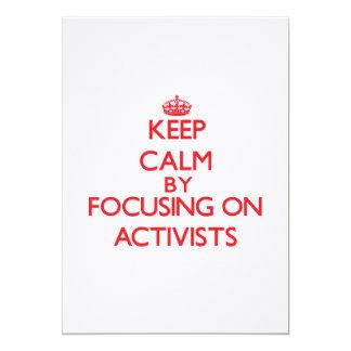 Behalten Sie Ruhe, indem Sie auf Aktivisten sich 12,7 X 17,8 Cm Einladungskarte
