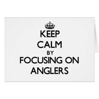 Behalten Sie Ruhe indem Sie auf Angler sich