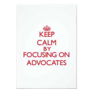 Behalten Sie Ruhe, indem Sie auf Anwälte sich Ankündigungen