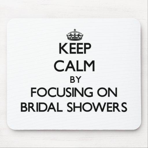 Behalten Sie Ruhe, indem Sie auf Brautpartys sich Mauspads