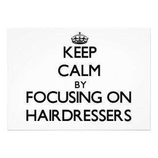 Behalten Sie Ruhe indem Sie auf Friseure sich