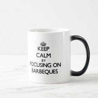 Behalten Sie Ruhe, indem Sie auf Grills sich Tee Tasse