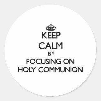 Behalten Sie Ruhe indem Sie auf heilige Kommunion