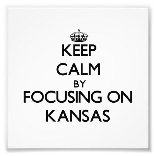 Behalten Sie Ruhe, indem Sie auf Kansas sich Kunstphotos
