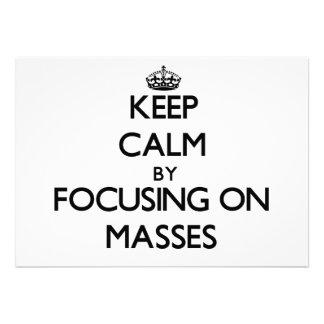 Behalten Sie Ruhe indem Sie auf Massen sich