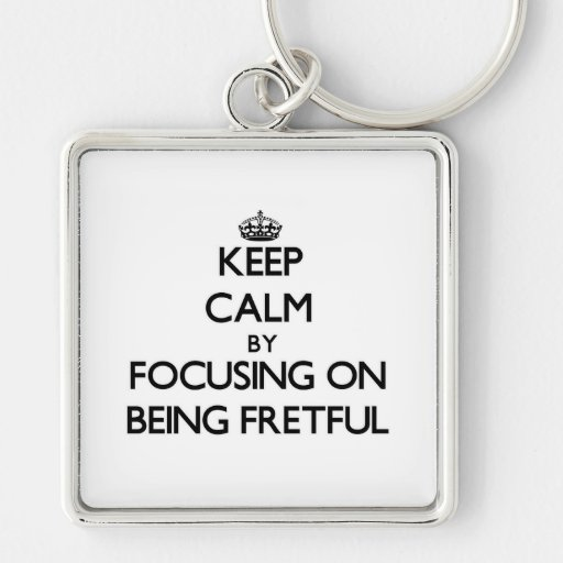 Behalten Sie Ruhe, indem Sie auf Sein ärgerlich Schlüsselband