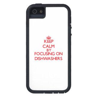 Behalten Sie Ruhe, indem Sie auf Spülmaschinen iPhone 5 Cover