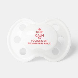 Behalten Sie Ruhe indem Sie auf VERLOBUNGS-RINGE Baby Schnuller
