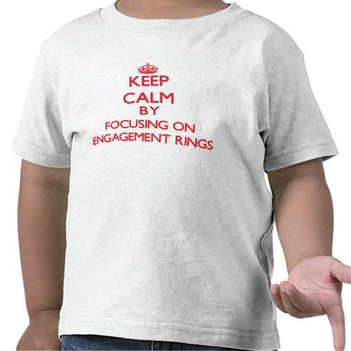 Behalten Sie Ruhe, indem Sie auf VERLOBUNGS-RINGE T-Shirts