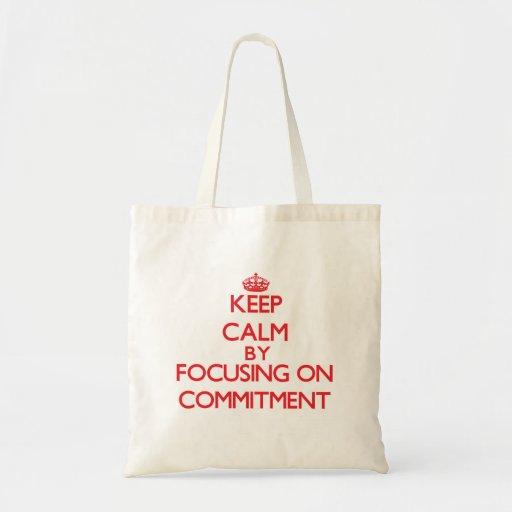 Behalten Sie Ruhe, indem Sie auf Verpflichtung Einkaufstaschen