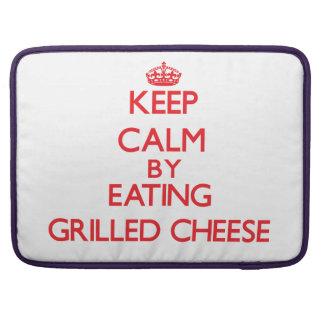 Behalten Sie Ruhe indem Sie gegrillten Käse essen Sleeve Für MacBooks