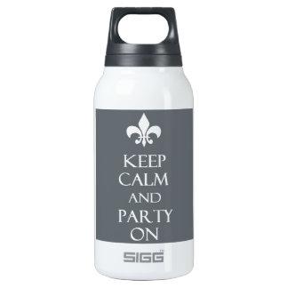 Behalten Sie Ruhe Isolierte Flaschen