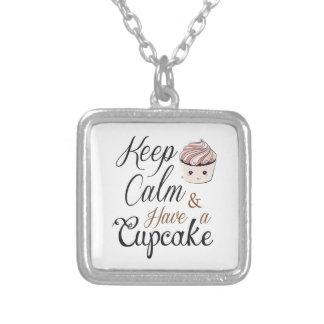 Behalten Sie Ruhe, kleinen Kuchen Kawaii zu essen Versilberte Kette