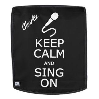 Behalten Sie Ruhe u. singen Sie auf individuellem Rucksack