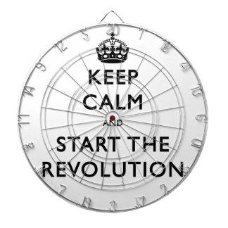 Behalten Sie Ruhe und beginnen Sie die Revolution Dartscheibe