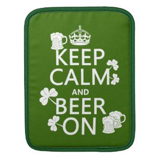 Behalten Sie Ruhe und Bier auf (Iren) (irgendeine Sleeve Für iPads
