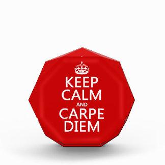 Behalten Sie Ruhe und Carpe Diem Acryl Auszeichnung